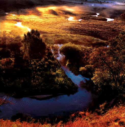 交通:黄草梁自然风景区位于门头沟区斋堂镇北14公里处,主峰海拔